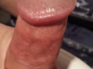 I would love to get my lips over that stunning head, then suck on you stick until you blow your top