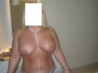 NOT A FAN OF JEWERY ,BUT I DO LUV UR BIG HOT TITS & SEXY BODY !!