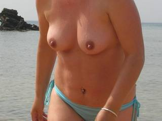 Cumming out of the sea like a Bond Girl