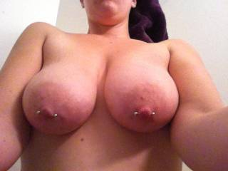 what jewlery,?luv your fantastic tits ,luv to spray cum all over them
