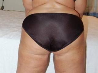 Naughty Vickie showing me her great ass before we went to dinner awhile back