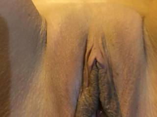 love to lick and suck on it before putting my hard cock in it mmm
