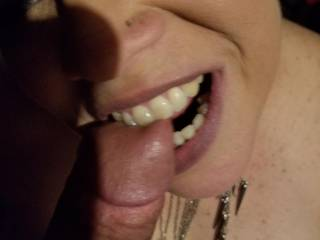Bitting my husband\'s cock head