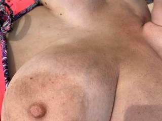 flash tits on the beach