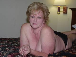 Cumslut lesbians porn pics