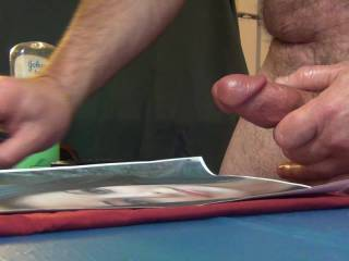 A nice close up cock play, with lots of cum for my friend\'s face....