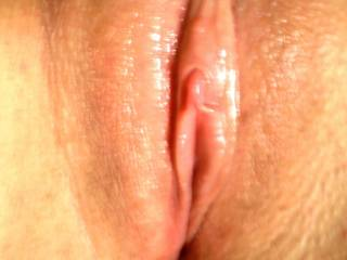 VERy pretty pussy lips and a clit that drives me crazy.  MMmmmmmm.  I just want to suck on that clit right now!! MMmmmmmm.  I'd love to eat you for hours.  Thanks for sharing!!