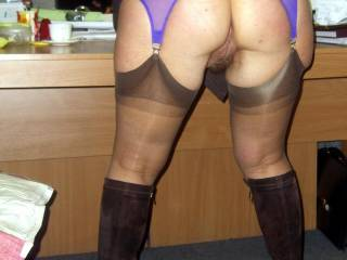 Love that hairy pussy and the dark brown stockings! I am stroking ! So sexy!