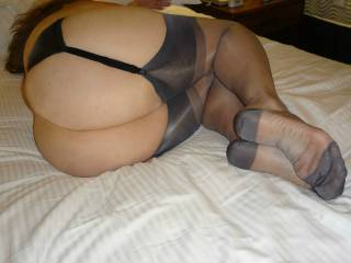 Sexy Lisa phat ass and gorgeous legs in grey stockings.