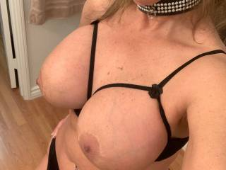 Feeling sensual who can give this hotwife a big cock and a huge cumload for tribute?