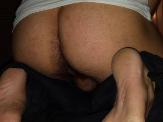 Want to fuck your feet and ass!!