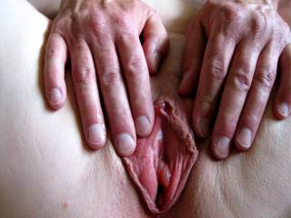 what a pretty pussy hole, could lick that oh so nice for you!!! message me!!!