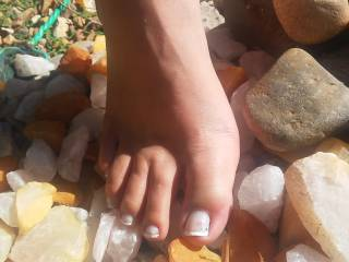 My wife loves to take pics of her gorgeous feet in beautiful places and surprise me with them. love it!
