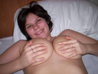 mmmmmmmmmmm you're gorgeous and your huge tits make me real hard...id love to fuck them