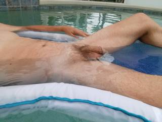 i really want to be with you in the pool….naked of course...