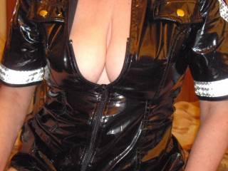 Do ya like the outfit?