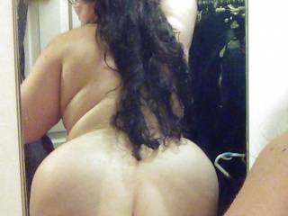 Big ass like that is built for grabbing... god i want to feel that ass pulled back on me