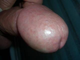 mmmmmmmm i'd love to have your big hot cock-head in my throat mmmmmmm