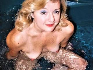 Beautiful Draga enjoying a hot tub! Would you like to join me?