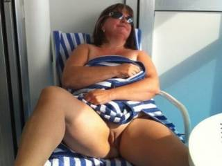 CAN I KISS YOUR PUSSY BABY, THEN STICK MY HARD 8 INCH COCK IN, LOVE TO MAKE YOU CUM.