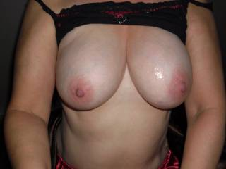 It would be great fun to lick these gorgeous Tits clean multiple times! Thanks