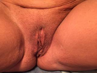 That beautiful pussy, First thing. Lick it till she gave me her cu to taste the sweetness