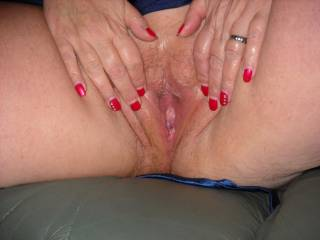 mm lick lick lick..loce wett juicy pink pussy juice...make my cock so hard.... keep it wett...yesss ..very sexxxy