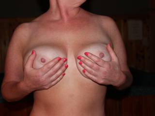 I did not notice the fingernails...if you know what I mean!  I focused on the beautiful tits!