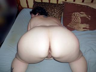 I want mount you and fuck your gorgeous count and asshole and fill them with my cum