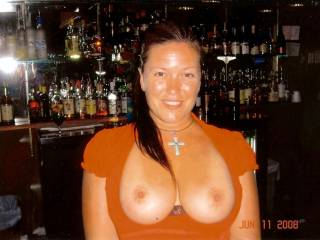 ex-bartender, when she was there she would suck a good dick prior to serving me my  I luv my bartenders.