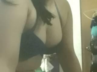 I like to be a slut on cam