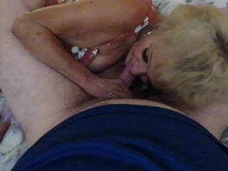 do you think granny is giving a good gumjob?