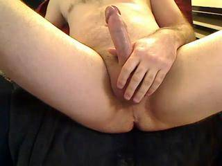 wish my mouth could have been on the receiving end of that cock and cumshot...