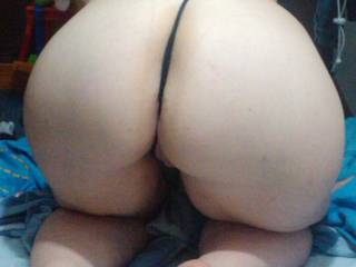 WOW!!!!! Fantastic Big Ass!! So want it on my face and cock!!!