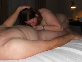 he was giving the wife a helping hand while she sucked his cock