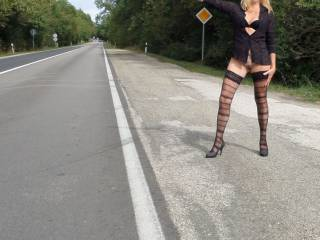 Sex tour3 ... Flashing on the road side . Would you stop for me?