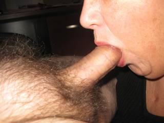 mmm....what a nice thick cock to suck on.