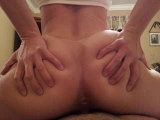 i LOVE her tiny little asshole...would love to stick my tongue inside it!
