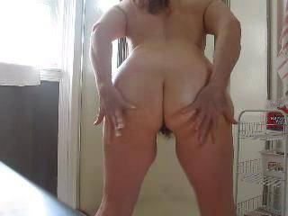 such a cock tease love open that pussy up and pound that hot ass  thanks for the great jerking off vid;))