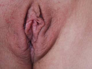 Nice swollen pussy, Beautiful--would love to suck and fuck that all night and longer!!!