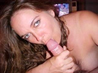 Beautiful woman giving very nice head.