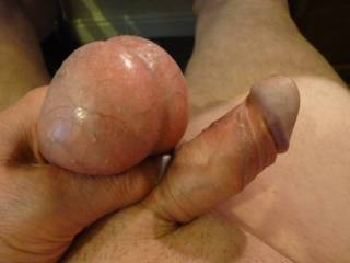 Just playing around whilst looking at zoig my balls are feeling heavy.