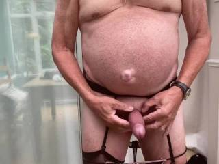 I am wanking watching a zoig friend sucking his cock so expertly 👍😀