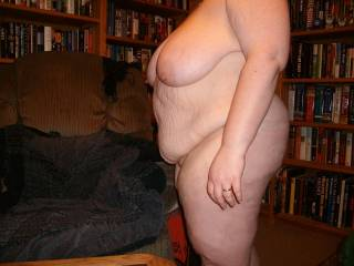 Great picture ,love the saggy udders and the hanging belly, you are so sexy, would lve to fuck your holes