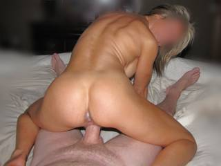Mrs A riding the fatty reverse cowgirl.....yes....awsome