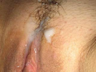 a load on mrs.onlyones meaty pussy!