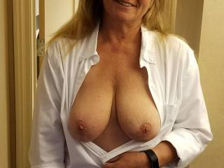 The Bellhop asked me if he could see my Tits in Lieu of a Tip so I Obliged!! BTW I still gave him a nice Tip 😋😋😋😋