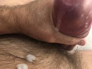 Mmmmmm cum play 😈who wants some?