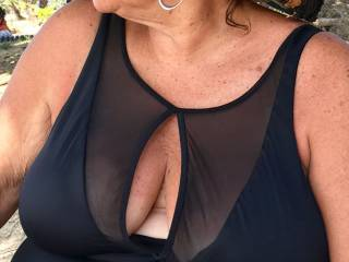..the young man sitting next to me at the beach asked if he could take my photo....this is a copy he sent    he liked my bathing suit....you like it?