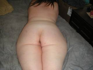 What I would do to be ableto run my tongue down the crack of that curvy ass